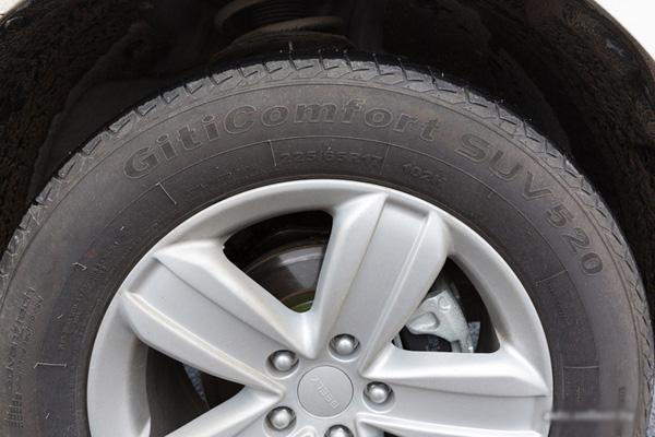 Фото: Заводские колеса на Джили Эмгранд х7